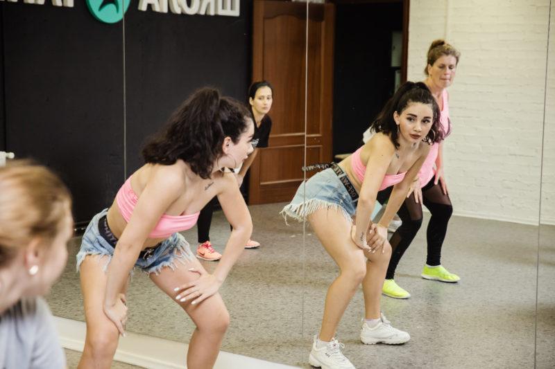 Booty Dance (тверк) в Школе Танцев в Озерках